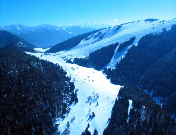From Saturday February 8th  main ski slope part 1b opened !!!